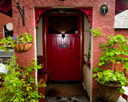 welcome to Trossachs Gate Cottage